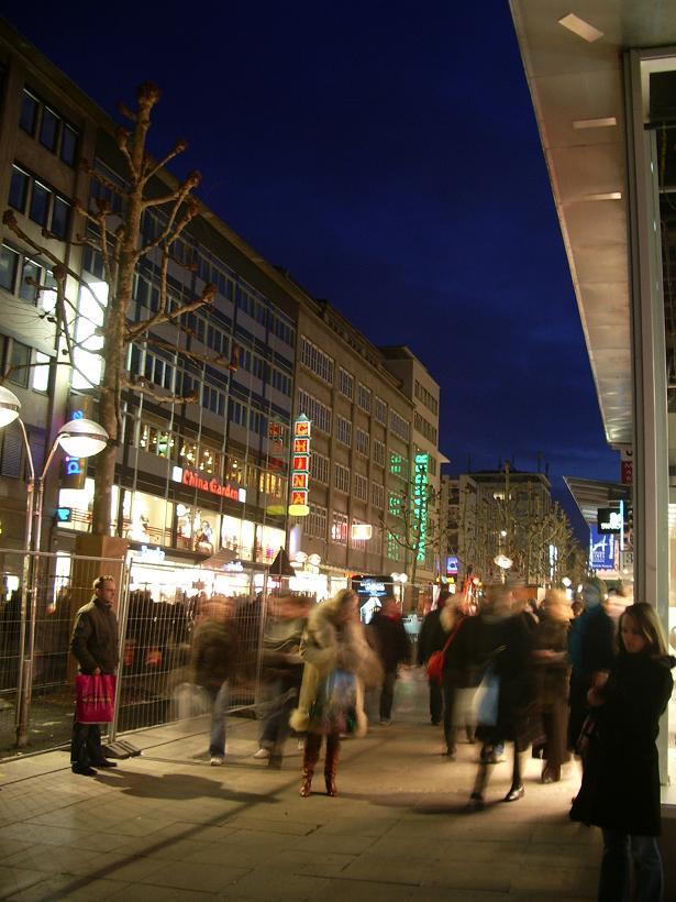Main_street_in_Stuttgart.JPGのサムネイル画像
