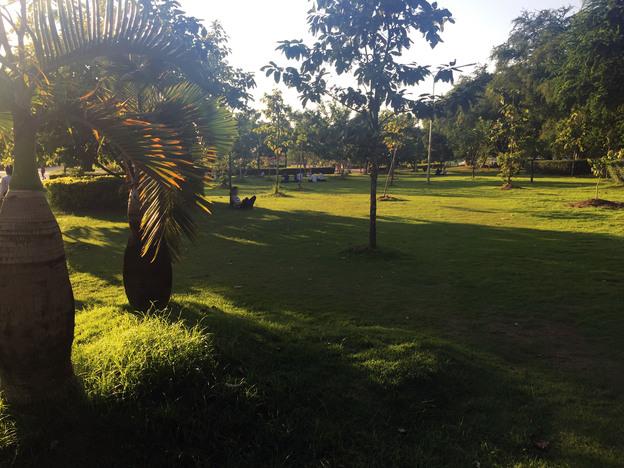 ビエンチャン公園のコピー.jpg