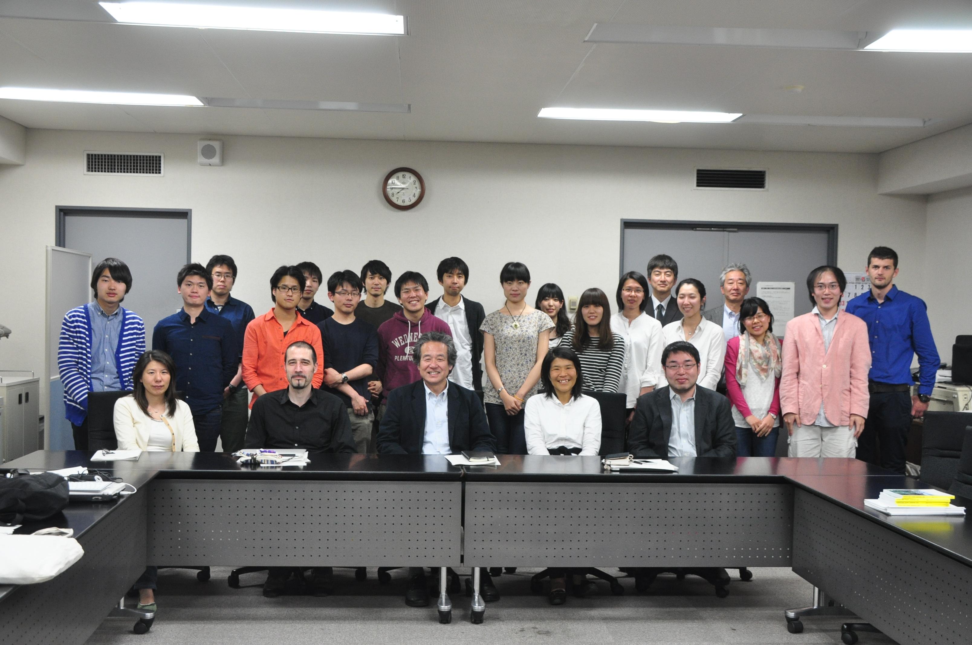 http://ud.t.u-tokyo.ac.jp/blog/_images/%E9%9B%86%E5%90%88%E5%86%99%E7%9C%9F.JPG